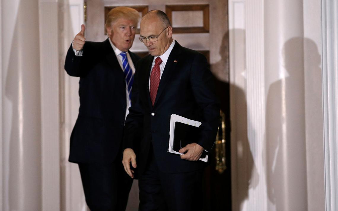 Trump se despede de Puzder após reunião em seu clube de golfe