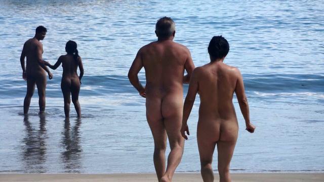 Naturismo não é permitido em nenhuma praia do litoral paulista