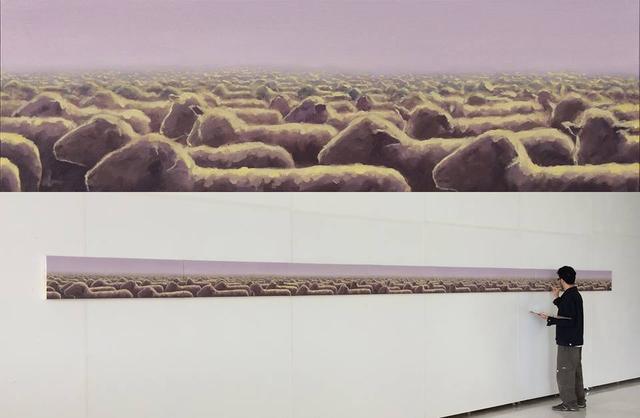 """""""O Rebanho"""" Óleo sobre tela Painel Políptico, 8mx30cm (acima) e registro do artista executando a obra (abaixo)"""