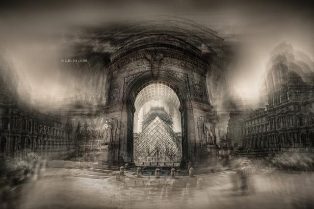 Museu do Louvre (Paris) e Arco da Praça Washington (Nova York)