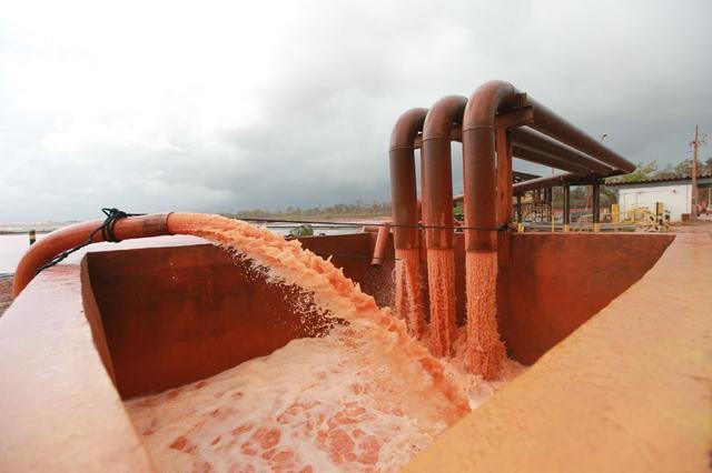 Refinaria aumentou número de bombas para escoar resíduos de bacias afetadas pela chuva