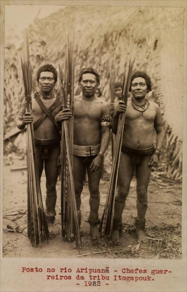 Indígenas no posto indígena Aripuanã, em 1922