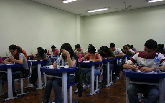 Como a pressão pré-vestibular afeta estudantes, fisicamente e psicologicamente