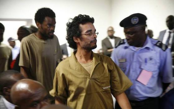 O caso de Luaty Beirão, rapper condenado à prisão por 'conspiração' em Angola