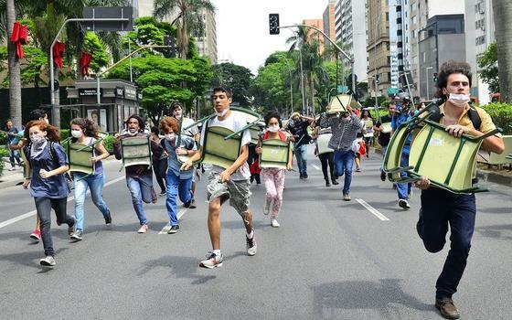 Estes fatos dão a dimensão da crise das escolas paulistas