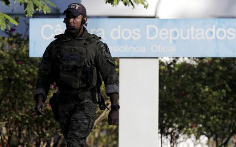 PF bate à porta da casa de Cunha: o que pesa contra ele até o momento
