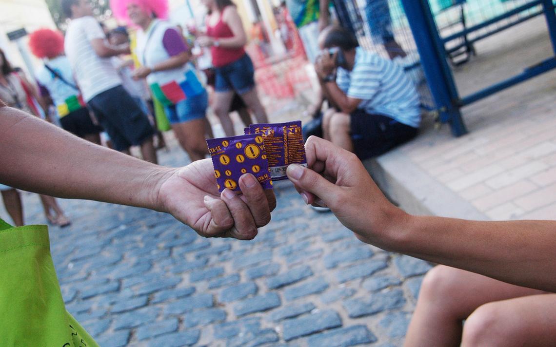 Camisinhas distribuídas pelo governo em Olinda, Pernambuco
