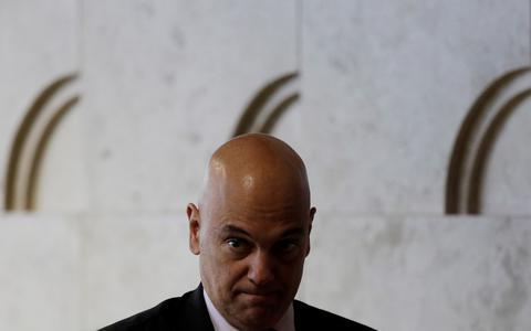 Moraes sinaliza que não deve recuar diante de bolsonaristas