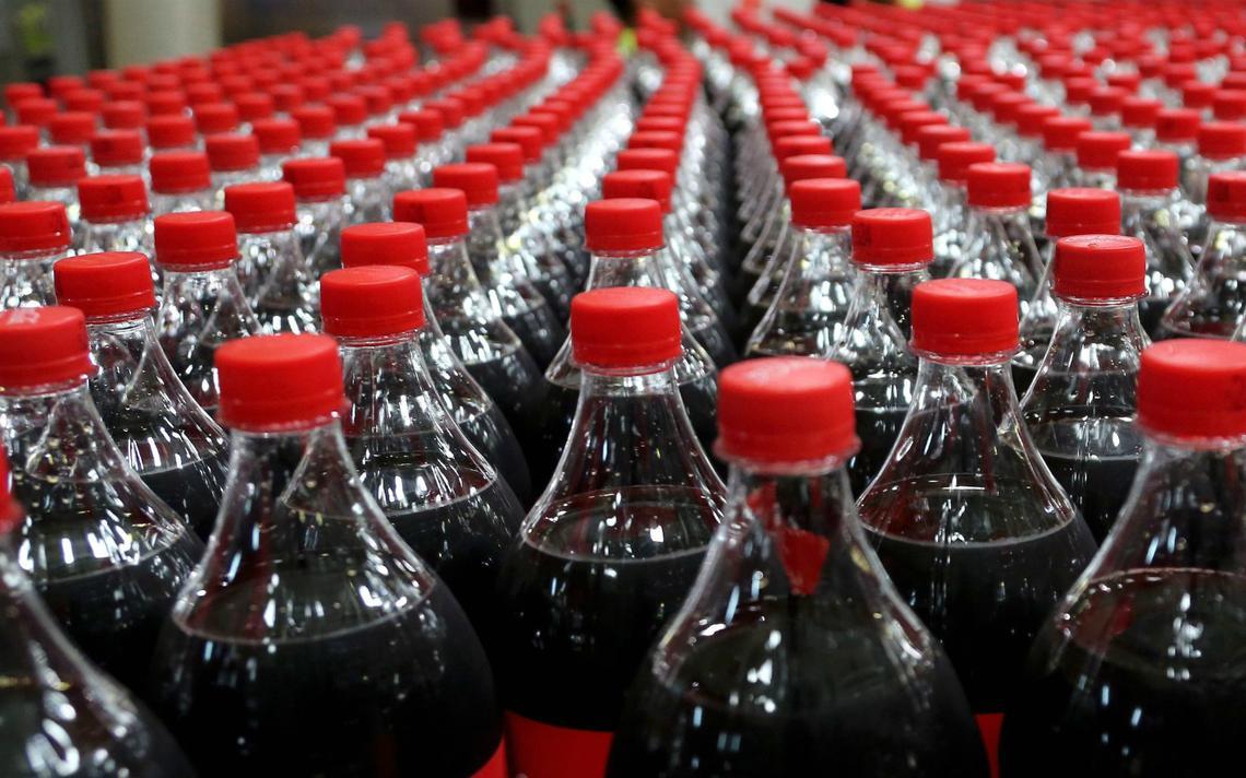 Após notícia sobre 'ameaça', a Coca-Cola afirmou que não pretende deixar o país