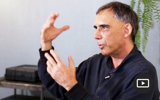 Arnaldo Antunes: 'Acho obrigatório o artista se posicionar'