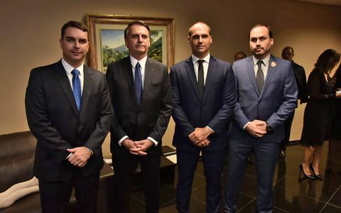 O que pesa contra cada um dos filhos de Bolsonaro