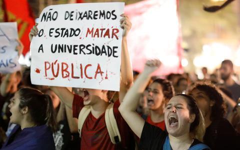 As universidades federais estão em risco, por culpa dos cortes
