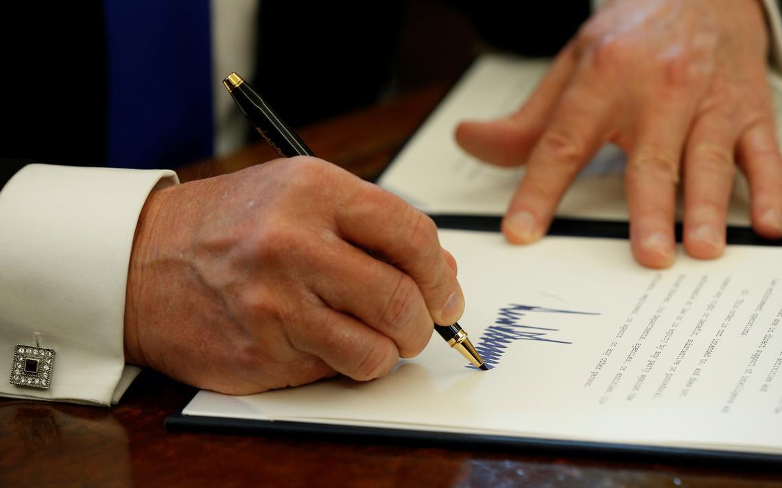 Assinatura de Trump