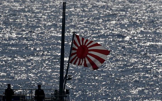 Após 69 anos, Japão derruba lei pacifista e pode voltar a mandar tropas para a guerra