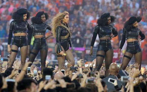 Como Beyoncé tratou de violência policial no programa mais visto da TV americana