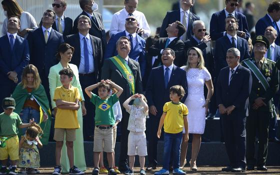 Bolsonaro reforça ataques e prega desobediência ao Supremo