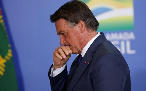 Qual a tática de Bolsonaro ao tentar atenuar seu extremismo
