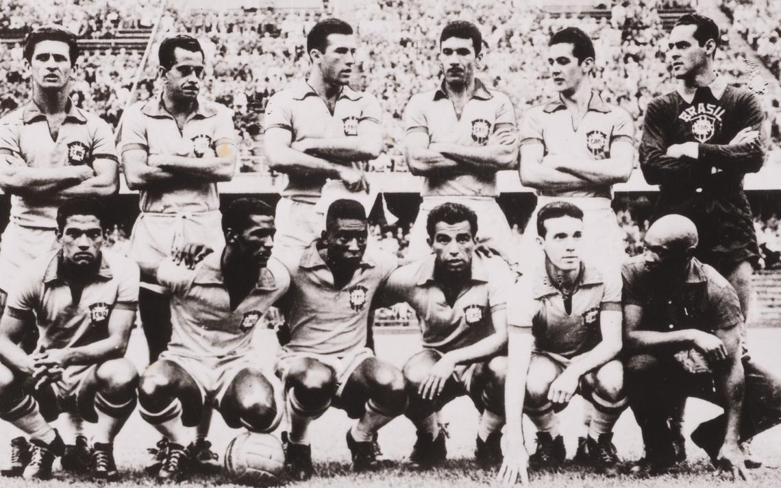 Brasil de 1958: De sordi, Zito, Bellini, Nilton Santos, Orlando e Gilmar. Garrincha, Didi, Pelé, Vavá e Zagallo