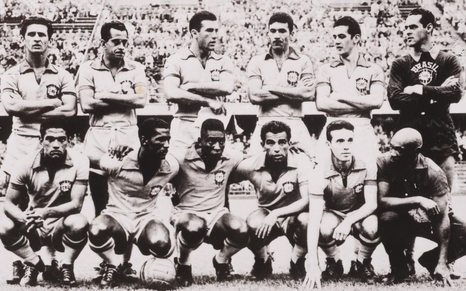 Os 60 anos do título de 1958. E como jogava o primeiro Brasil ... 339e5b1bcc653
