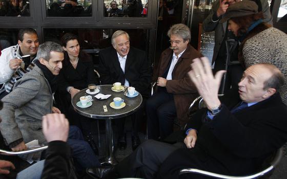 Por que os ambientalistas detestam os cafés de Paris