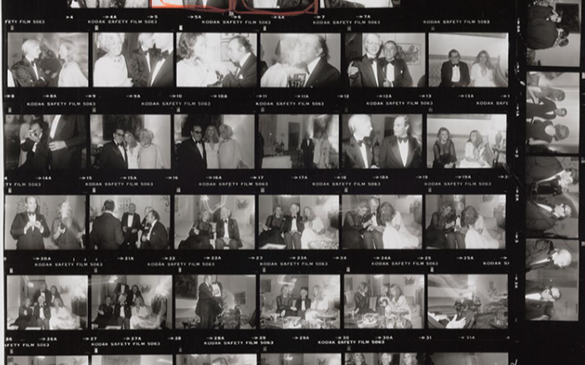 Andy Warhol, Lee Radziwill, Fereydoun Hoveyda e outras pessoas em festa em 1976