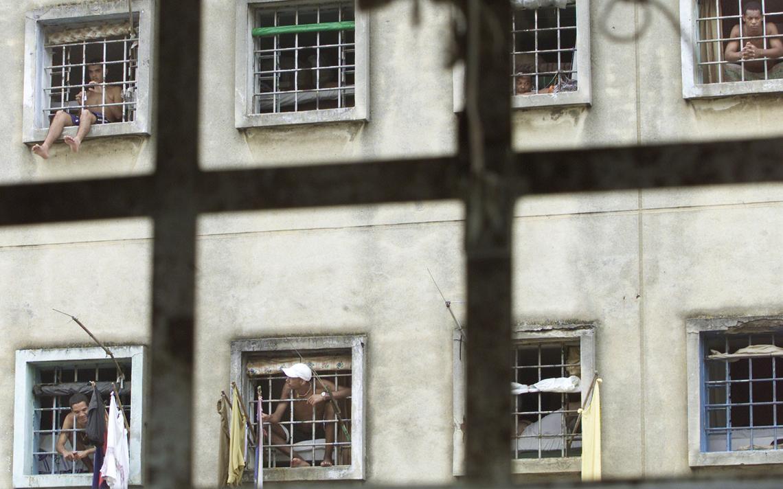 Prisioneiros no Carandiru, em 2002