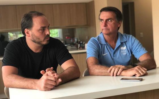 Carlos Bolsonaro: de estrategista das redes a pivô de crises