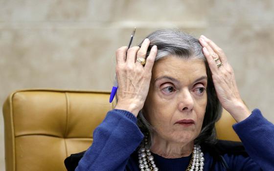 Cármen Lúcia nega pedido para obrigar Lira a analisar impeachment