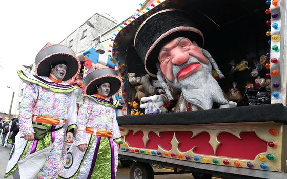 Por que o Carnaval da Bélgica foi chamado de antissemita
