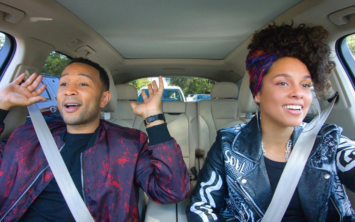 John Legend e Alicia Keys em programa produzido pela Apple em 2017