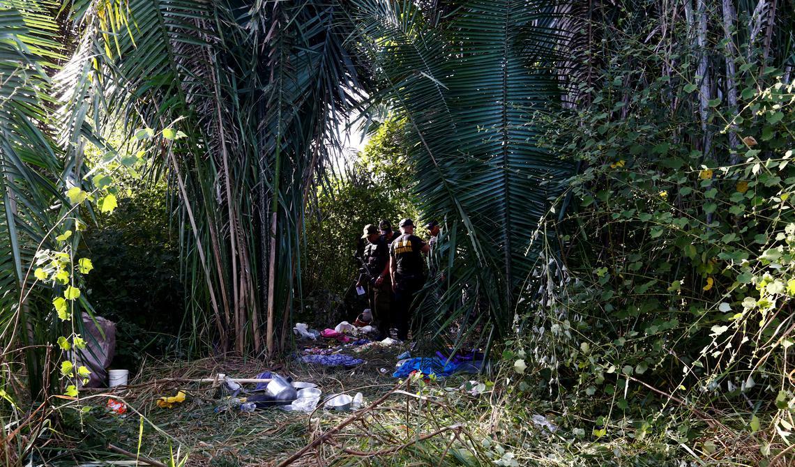 Polícia na fazenda Santa Luzia, onde ocorreu a chacina de Pau D'Arco, em 2017