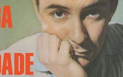 Um eslavosamba de João Gilberto: o mostra-esconde da canção