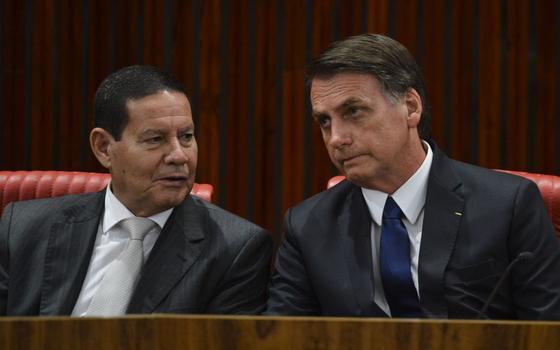 Como Mourão alfineta Bolsonaro na crise do coronavírus
