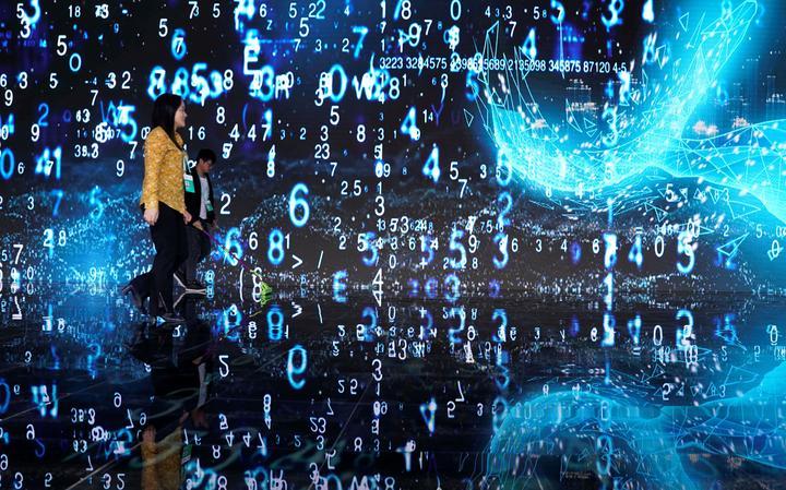 Resultado de imagem para Como a filosofia pode ajudar a compreender a vida online