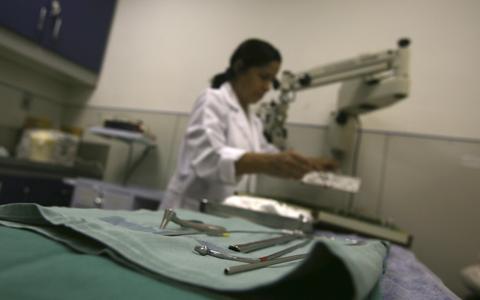 Como funciona a prática do consentimento informado em hospitais brasileiros