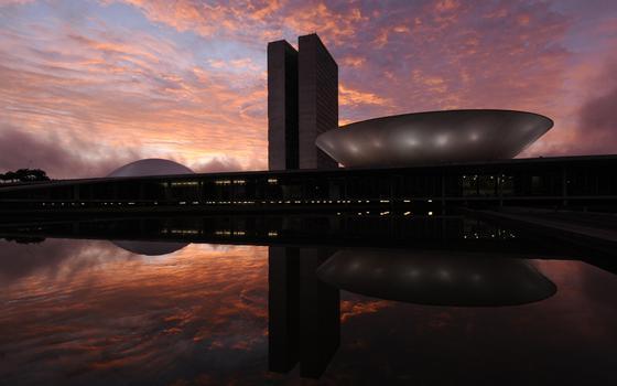 Como os destinos de Dilma e Cunha se entrelaçam nesta terça-feira no Congresso