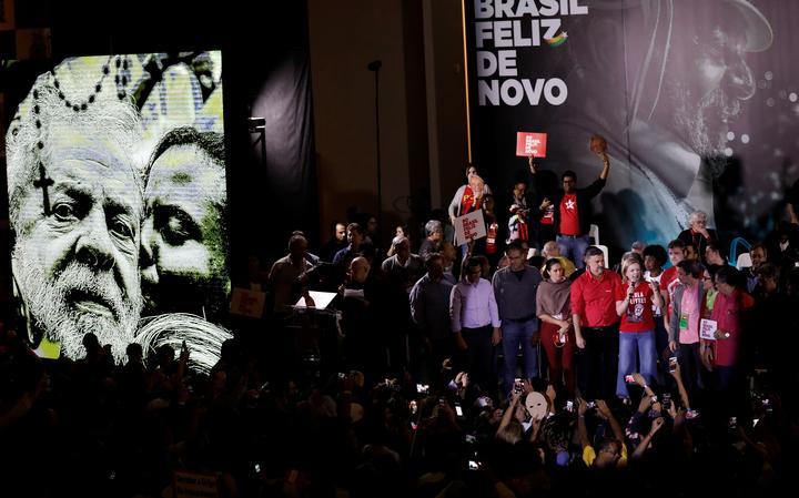 Petistas durante convenção em São Paulo leram carta de Lula
