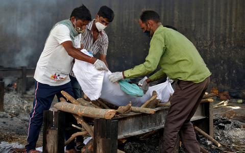 Os recordes mundiais de casos de covid-19 na Índia