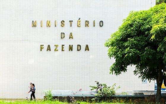 Alterar meta fiscal não é novidade, mas Dilma levou a prática ao extremo
