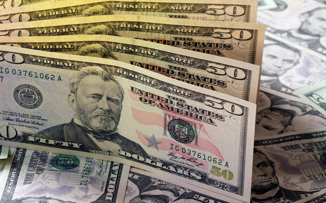 Dólares americanos.
