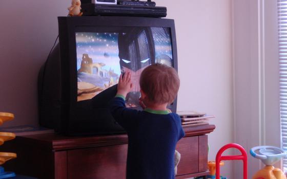 Decisão reabre debate sobre conteúdo em horário impróprio na TV