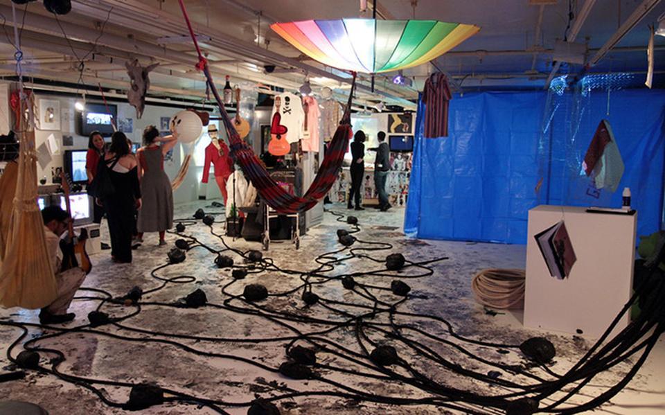 """Vista do espaço expositivo de """"Contrapensamento selvagem"""", curadoria de Cayo Honorato, Clarissa Diniz, Orlando Maneschy e Paulo Herkenhoff"""