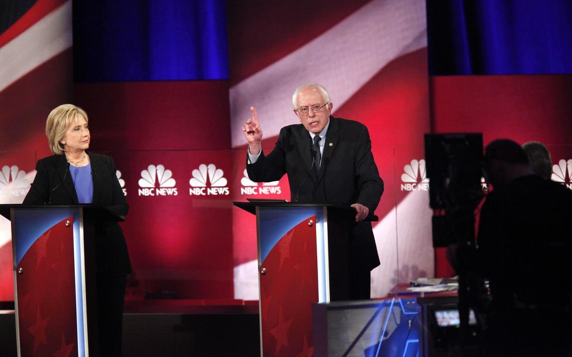 Hillary e Sanders falam em debate em Charleston