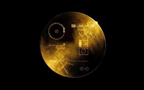 Garrafa no oceano cósmico: os 40 anos das Voyagers e seus discos dourados