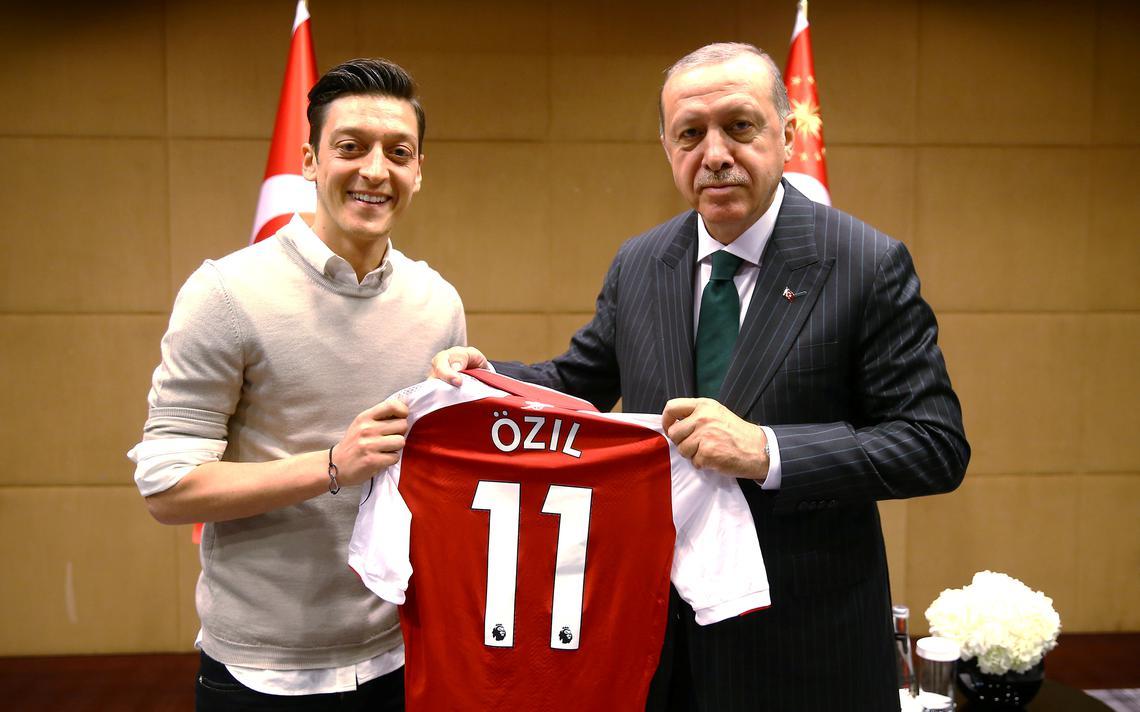 Encontro entre jogador e presidente turco aconteceu em maio de 2018, em Londres