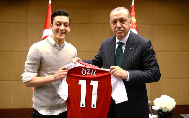 Encontro entre Özil e presidente turco aconteceu em maio de 2018, em Londres
