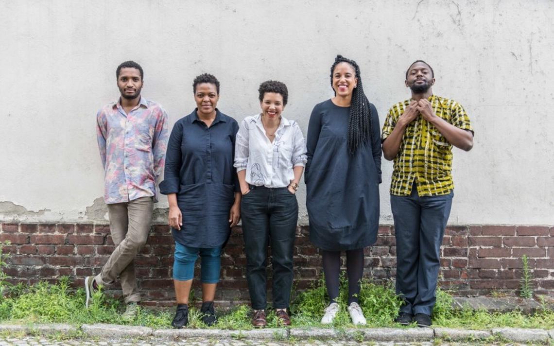 Da esquerda para a direita, Thiago de Paula Souza, Gabi Ngcobo, Nomaduma Rosa Masilela, Yvette Mutumba e Moses Serubiri