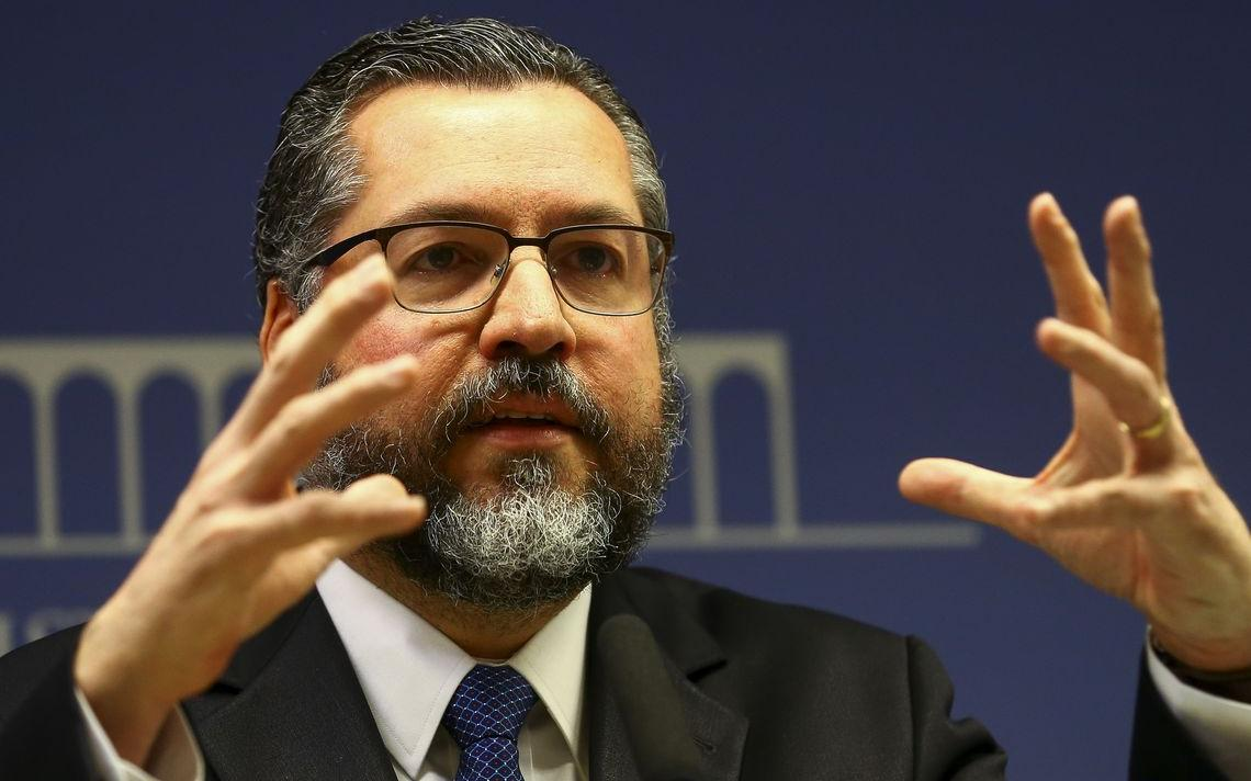 O ministro das Relações Exteriores, Ernesto Araújo, durante entrevista coletiva para apresentar detalhes do acordo Mercosul-União Europeia.