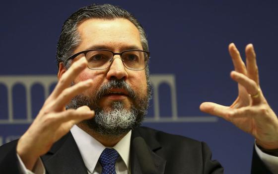 Qual o lugar de Ernesto Araújo na história da diplomacia brasileira