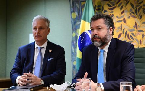 Como o 5G e a China aparecem na visita dos EUA ao Brasil
